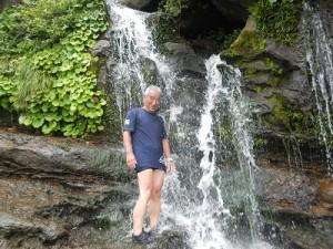 ユツン滝 水浴び